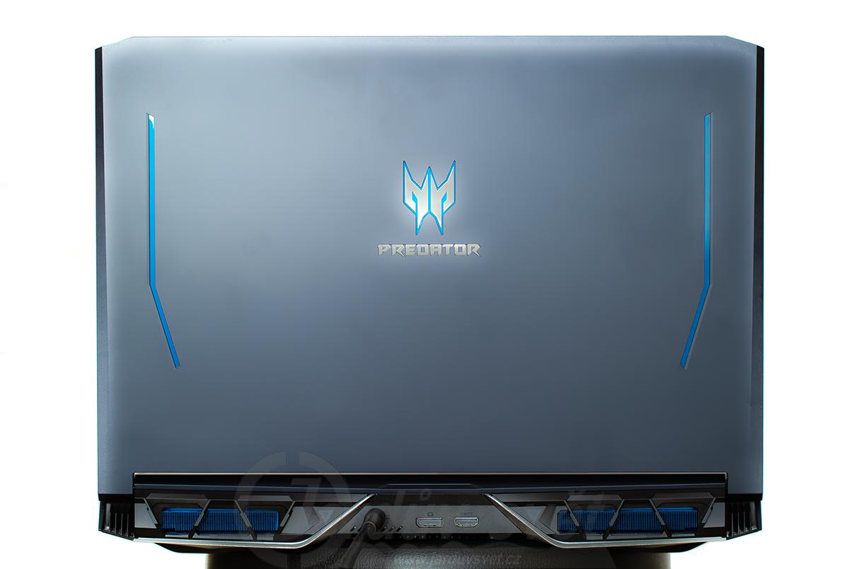 Acer Predator Helios 700 - back